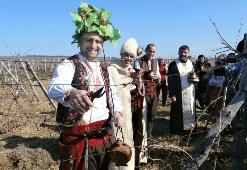 Costumbres de febrero: Trifon Zarezan