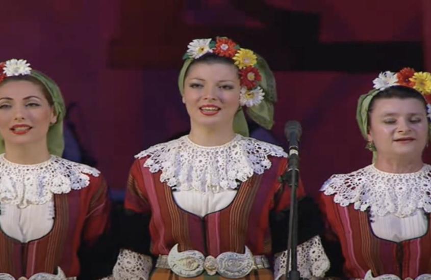 Ensamble Filip Kutev nos saluda en el Día de la Independencia